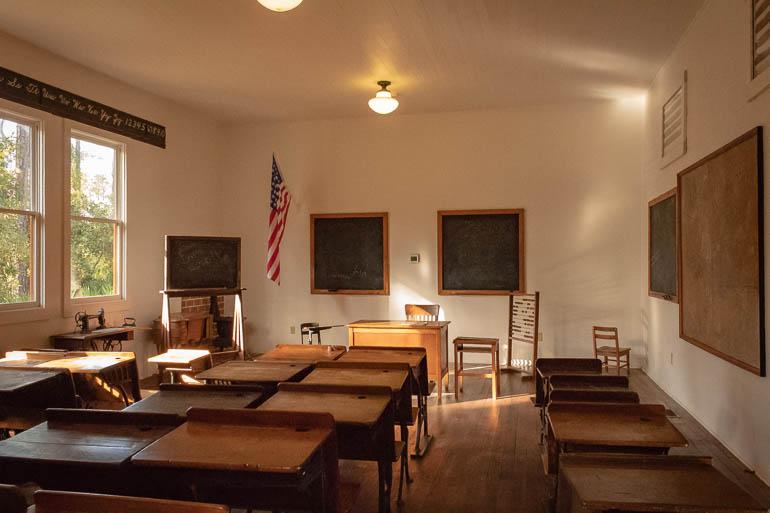 12-3schoolhouse2