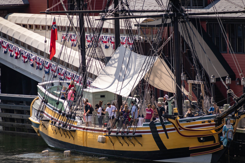 Harborwalkteapartyboat2