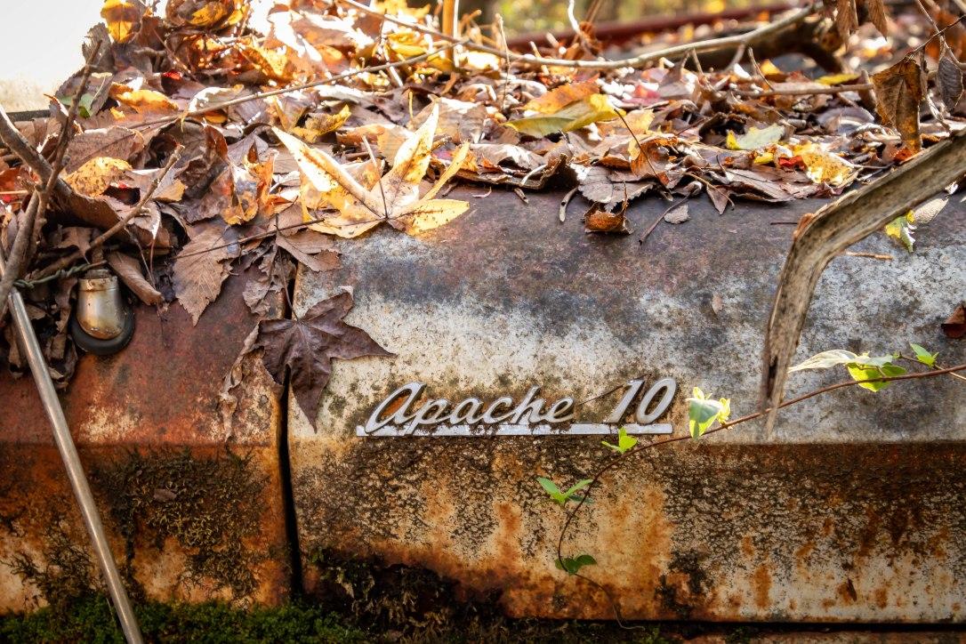 11-2oldcarcityapache10