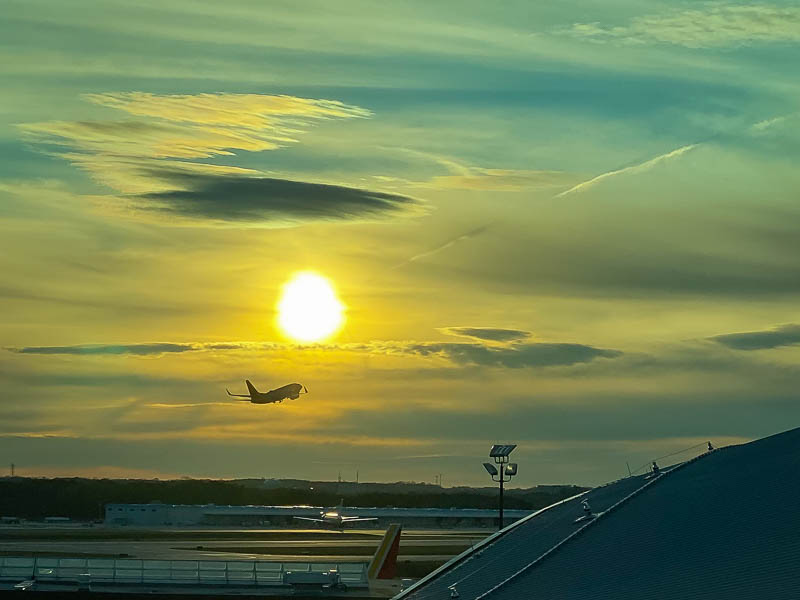 12-04airportsunset2